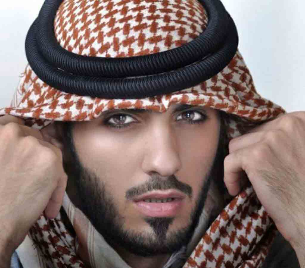 Broad jaw line with mustache latest Arabic beard and khat style for men in 2018