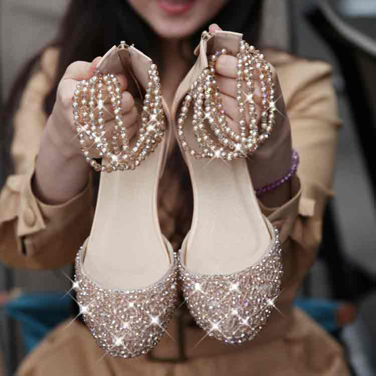 Golden fancy khussa shoes designs