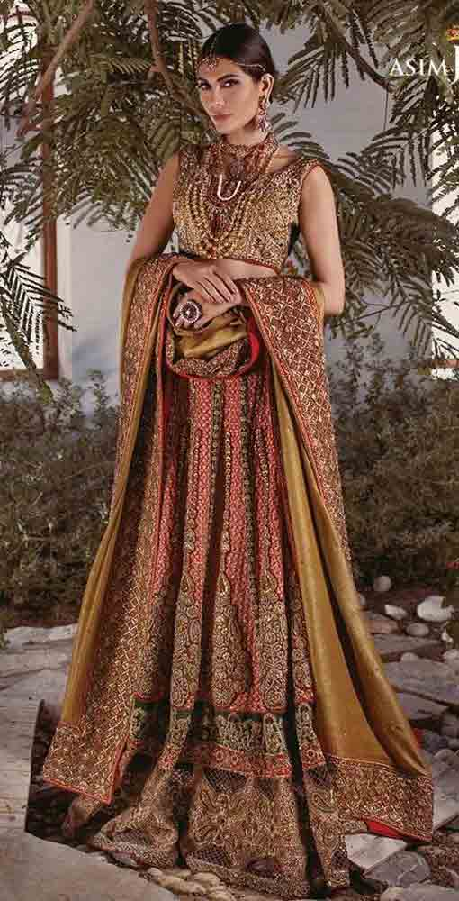 Beautiful lehenga choli design Pakistani bridal dress in red and golden color combinations 2018 with dupatta