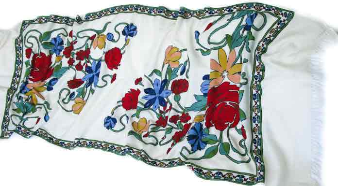 Ladies pashmina shawls in white color for winter season