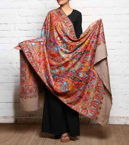 Ladies pashmina shawls in multicolor color for winter season