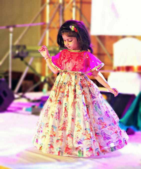 Best white and pink lehnga choli for kids