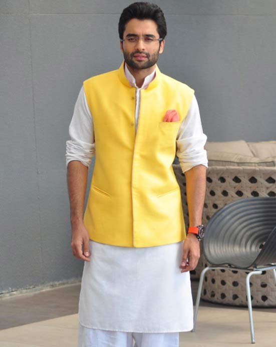 Best white kurta with yellow waistcoat