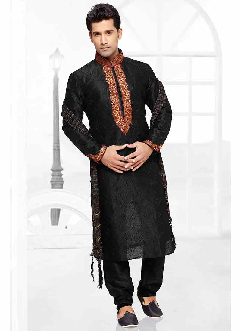 Best mehndi kurta designs in black color for groom