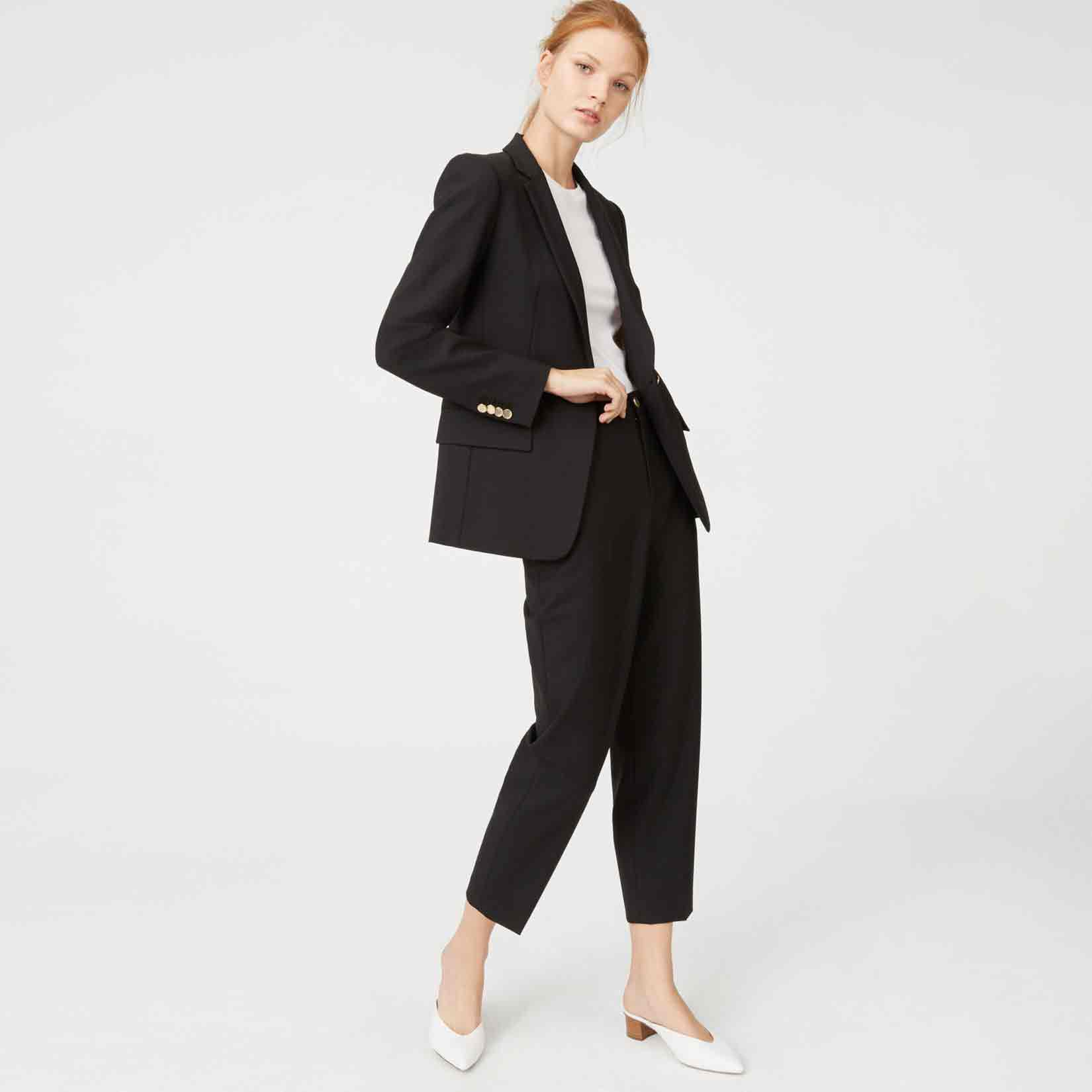 Best black business suits for ladies in Pakistan