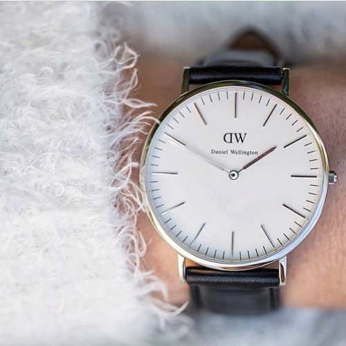 Latest wrist watches fashion accessories for women in Pakistan