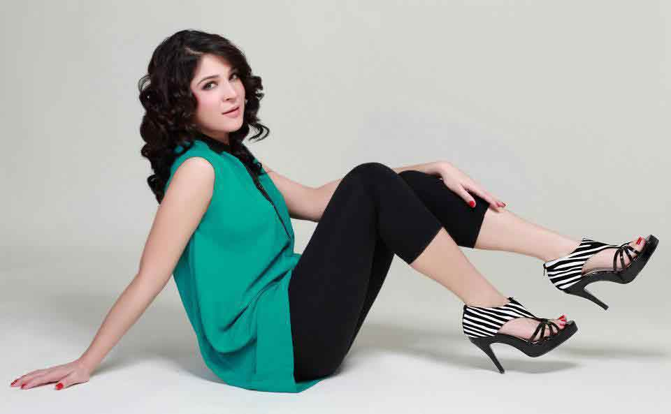 Ayesha Omer in high heel shoes