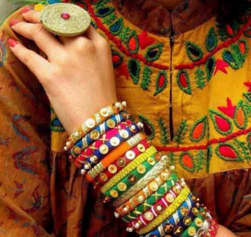 Colorful bangles fashion trends for Eid