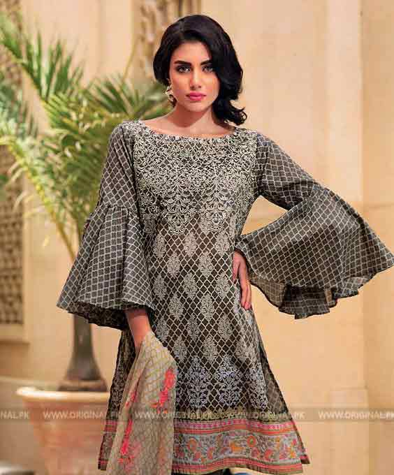 Bell sleeves with flare Eid fashion trend
