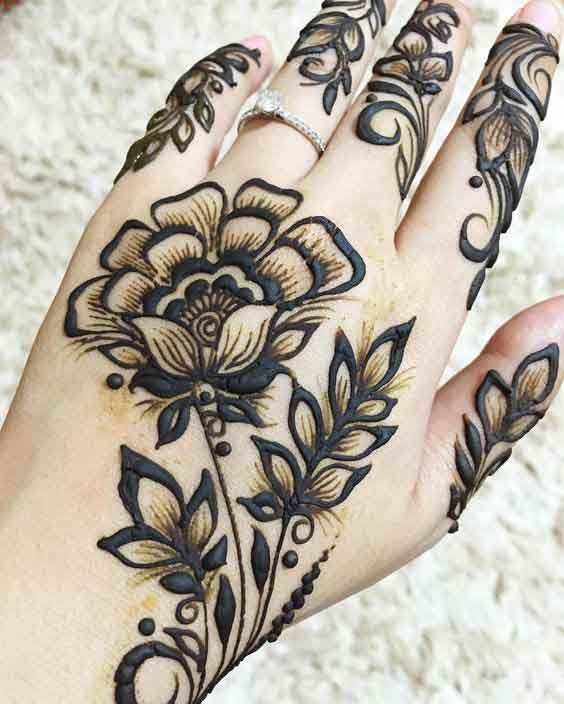 Beautiful flower mehndi designs for girls