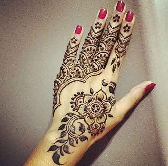 Easy flower with twinkles mehndi designs for Eid