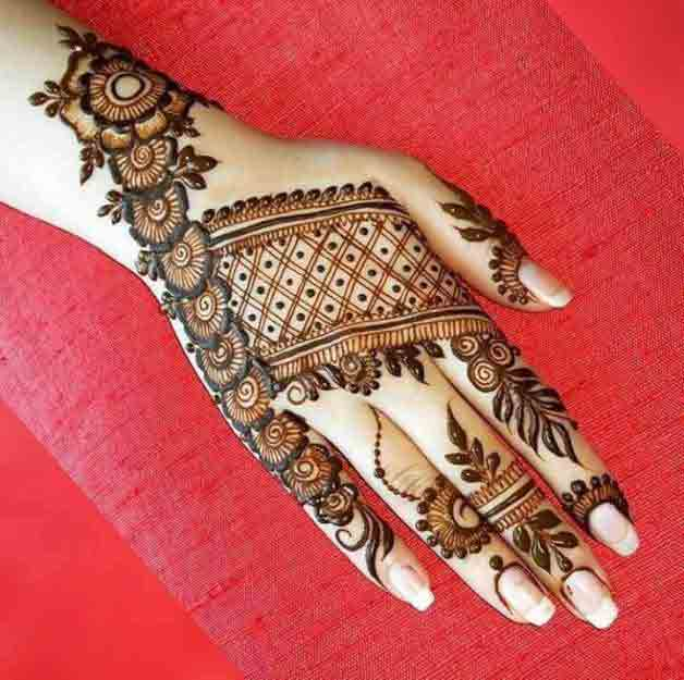 Best floral mehndi design for Eid
