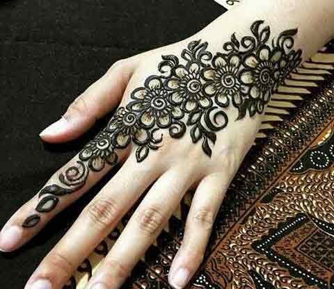 Easy floral Eid mehndi designs