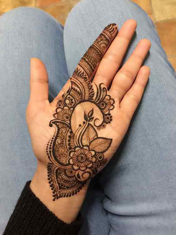 Easy floral leaf mehndi design for front hand
