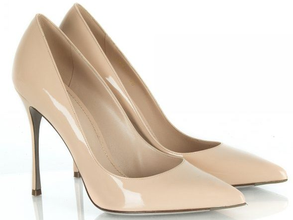 Pointed court shoes for Eid