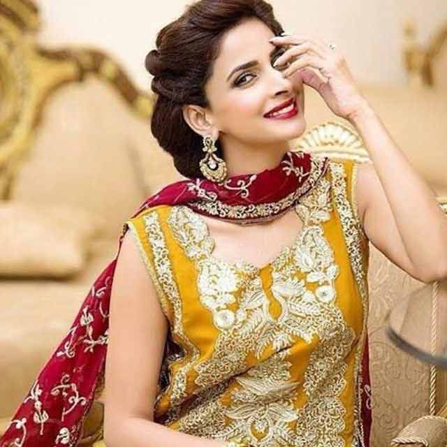 Best dupatta draping style on Eid