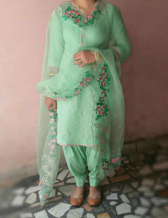 Green kameez shalwar stitching designs in Pakistan