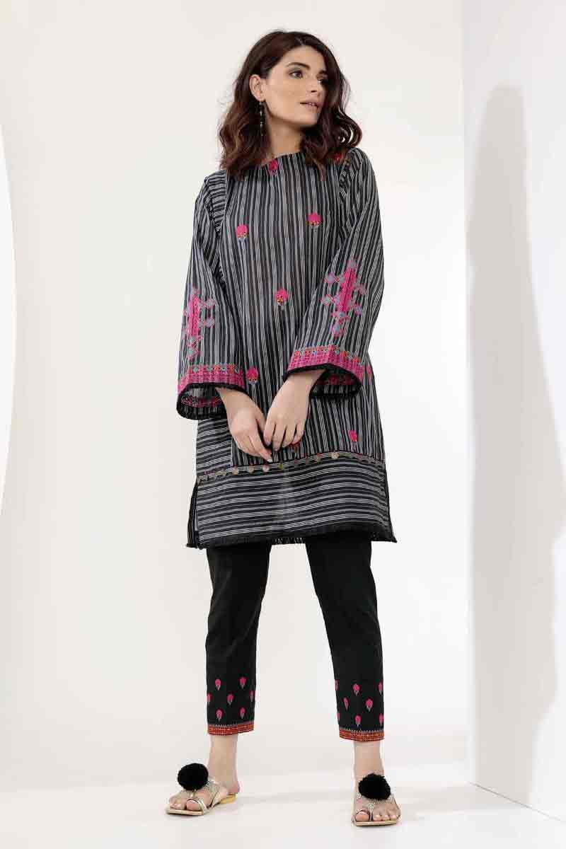 Black lawn kurti stitching designs for girls