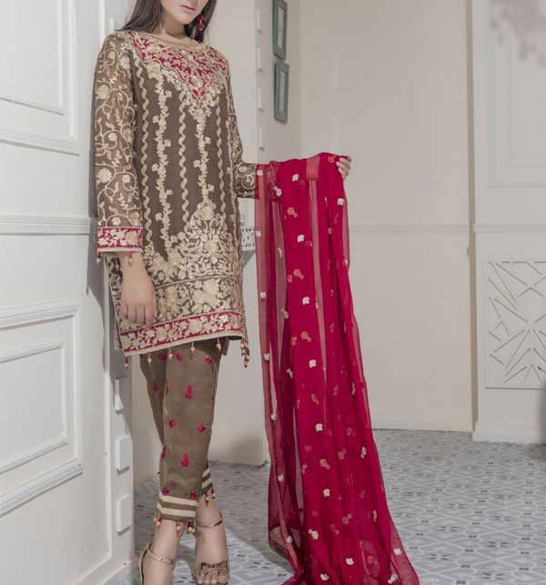 Stitching style of Pakistani dresses