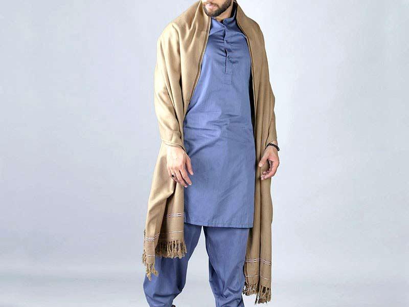 Skin shawl with shalwar kameez
