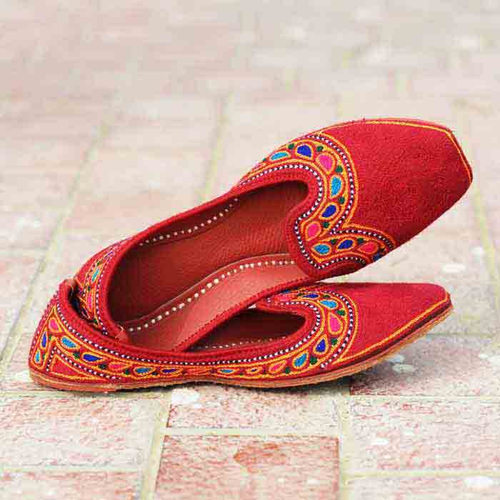 Latest red Embroidered khussa designs for ladies