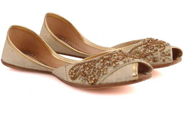 Embroidered peep toes khussa designs for girls