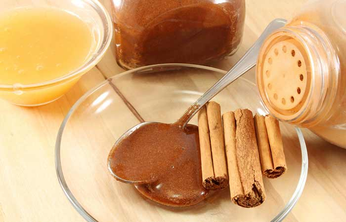 Pakistani home remedies for acne by cinnamon and honey paste