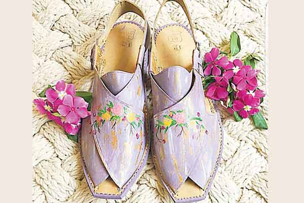 Light purple peshawari chappal for women