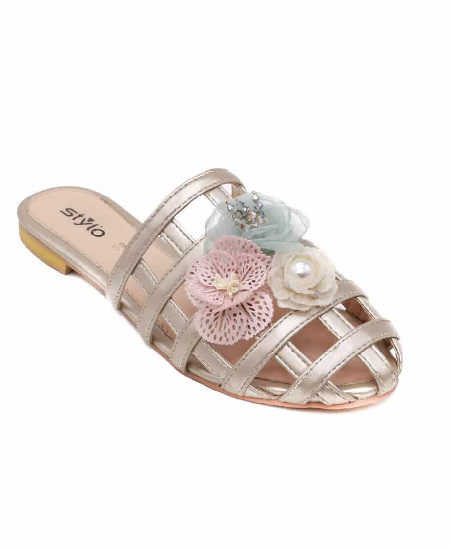 Check style flat shoes for Eid