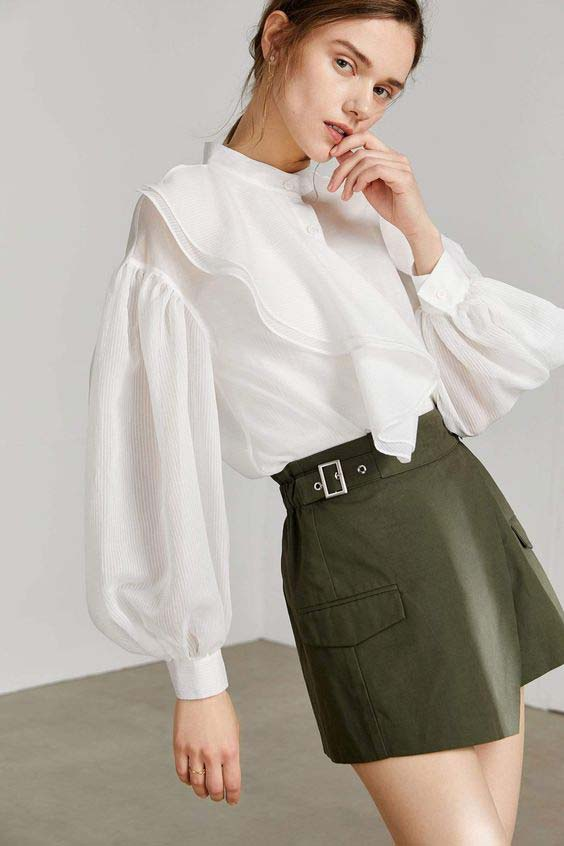 White long puff sleeve with skirt