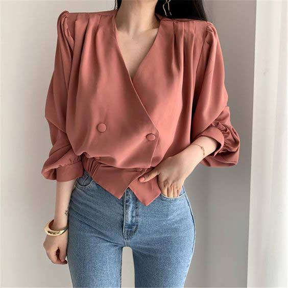 Brown puff sleeve top with jeans